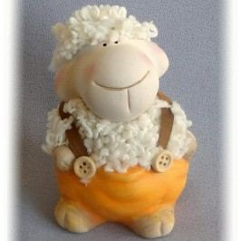 Keramická ovečka v kalhotách